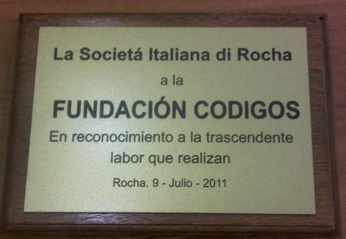 PREMIOS: Fundación Códigos recibe reconocimiento de la Societá Italiana Di Rocha en Uruguay.