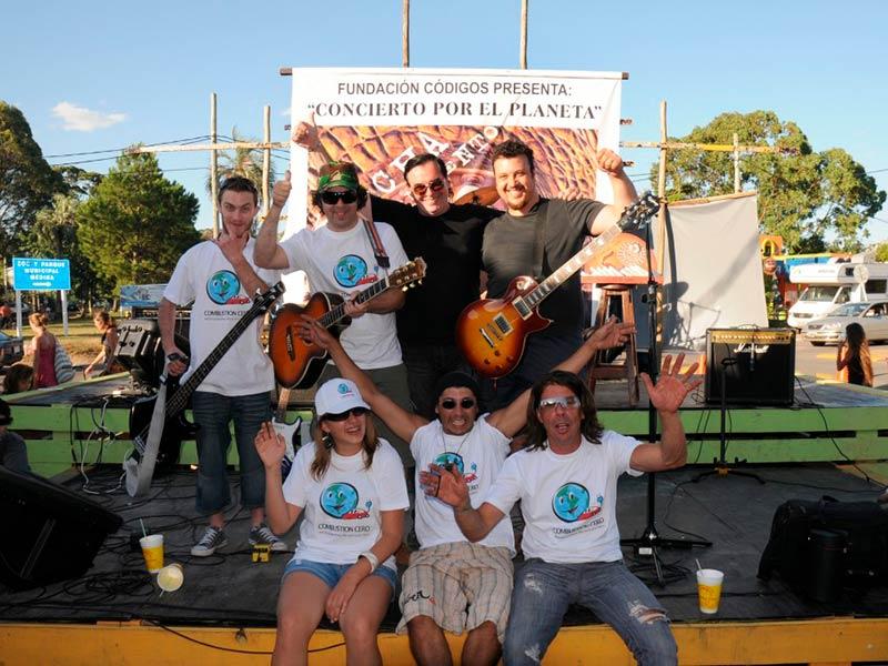 Banda fecha de vencimiento, concierto por el planeta, Fundación Códigos, Luis Seguessa