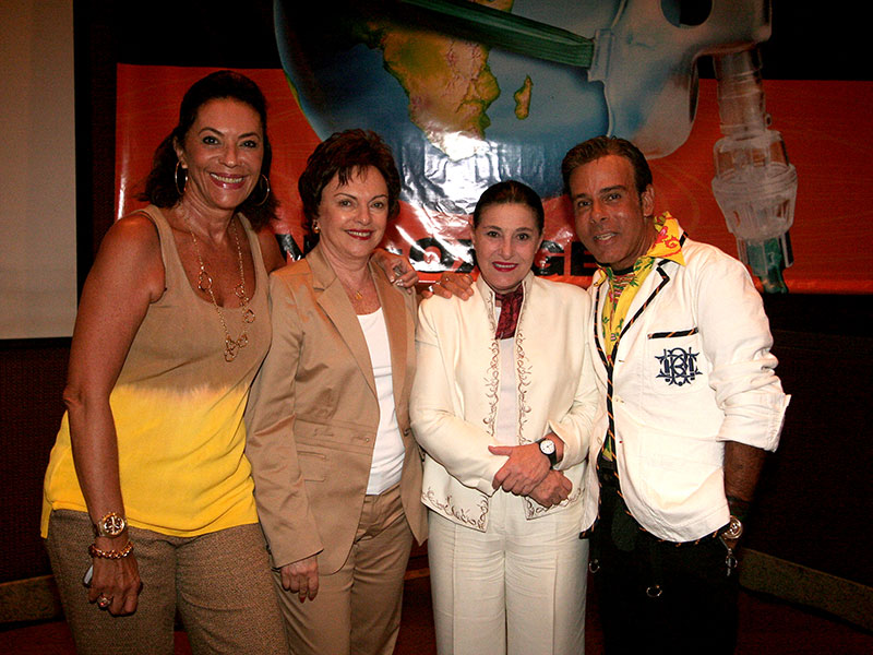 Beth Szafir, Anna Schvartzman, Ala Szerman, Roberto Camasmie en conferencia Alerta Global en Grand Hyatt Sao Paulo. Fundación Códigos