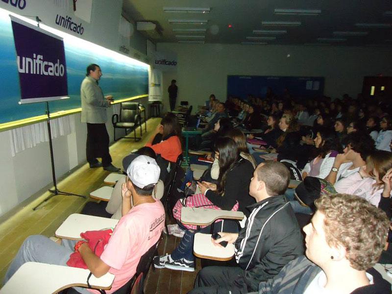 Conferencia Alerta Global de Luis Seguessa en Porto Alegre