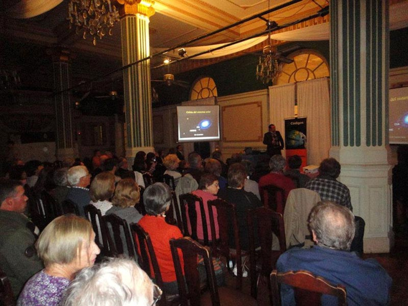 Conferencia Alerta Global de Luis Seguessa en el Argentino Hotel de Piriapolis