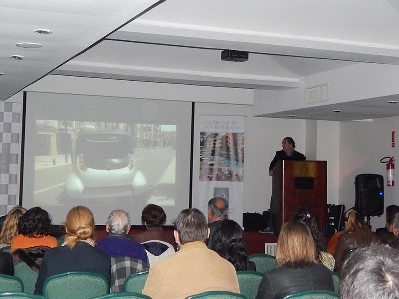 Conferencia Alerta Global de Luis Seguessa en el hotel Barradas de Punta del Este
