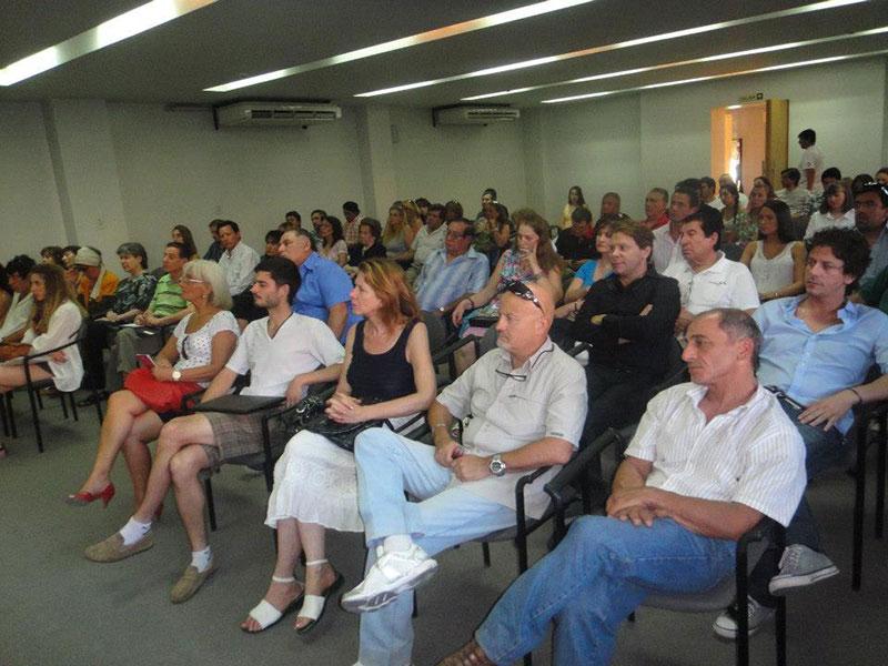 Conferencia Alerta Global en la Universidad de Congreso en Mendoza