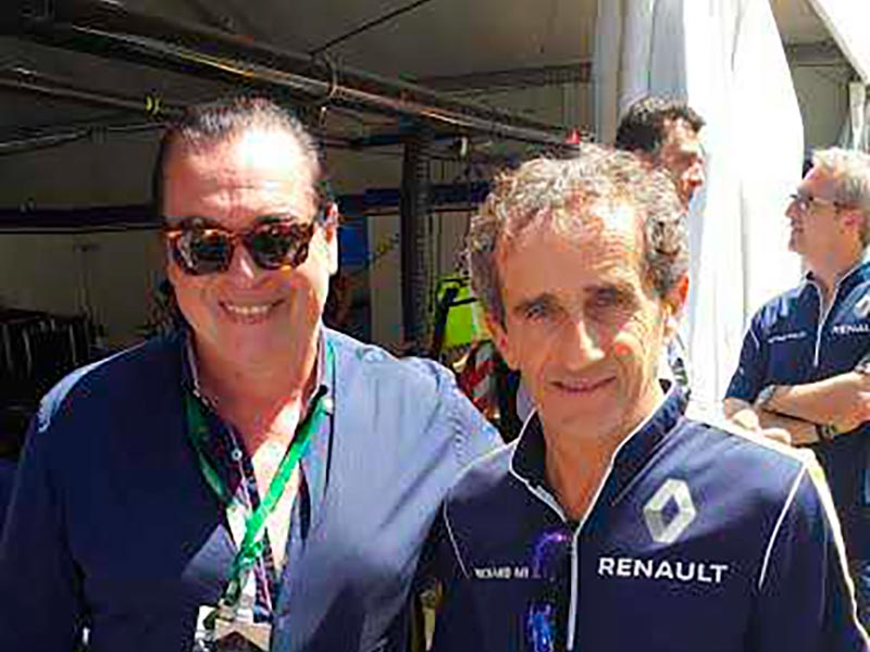 El corredor Alan Prost y Luis Seguessa en la Formula E Buenos Aires