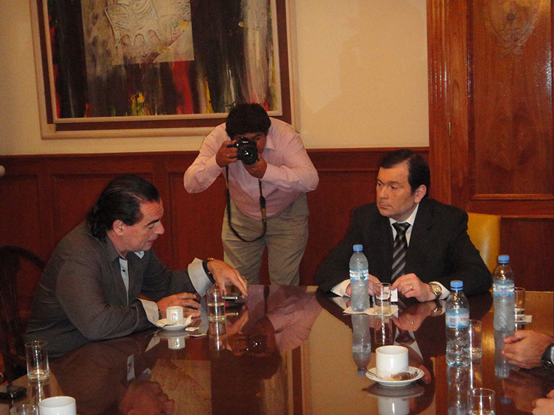 El gobernador Gerardo Zamora recibió al investigador  Luis Seguessa en Santiago del Estero