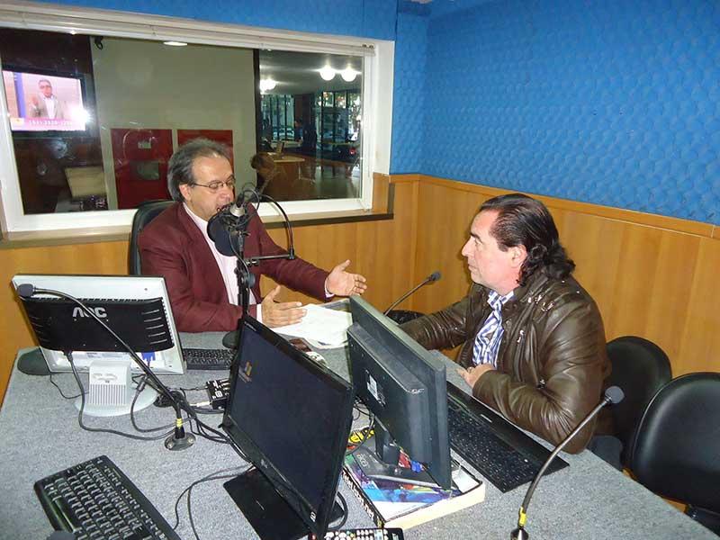 Entrevista radial a Luis Seguessa
