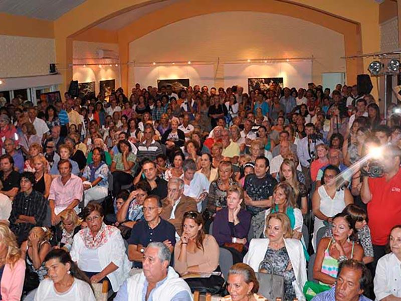 Evento de Fundacion Codigos con luis seguessa en Punta del Este
