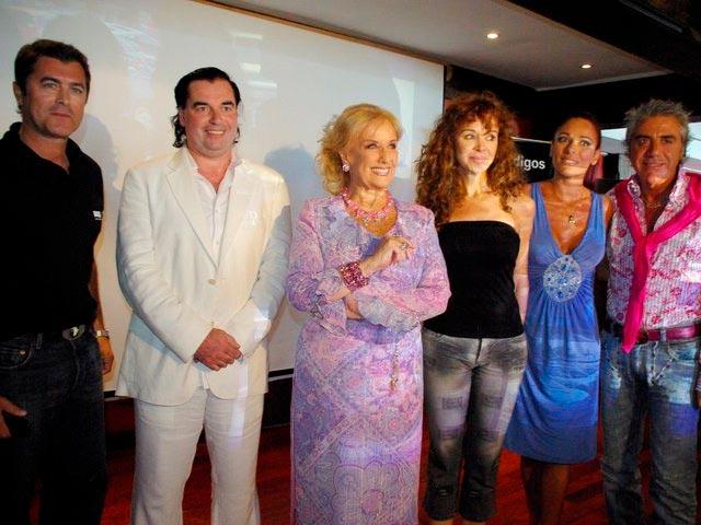 Gabriel Corrado, Luis Seguessa, Mirtha Legrand, Patricia Palmer, Iliana Calabro y Carlos Di Doemnico en conferencia Alerta Global mar del plata