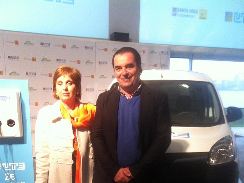 Lanzamiento de camionetas electricas de UTE en Montevideo. Luis Seguessa