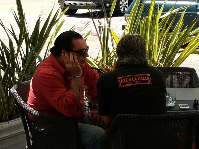 Luis Seguessa entrevistado para radio Punta del Este