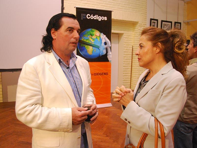 Vivian Jourdan y Luis Seguessa en Fundación Códigos